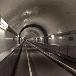 der alte elbtunnel in hamburg